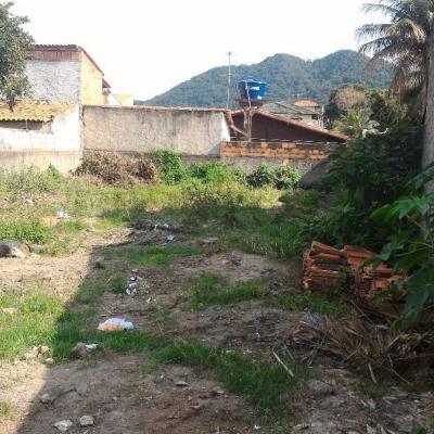 Terreno plano e murado em Itaipu