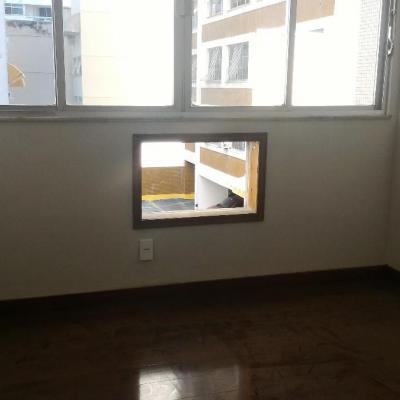 Apartamento miolo Icaraí 2 quartos + dependência reversível 1 vaga