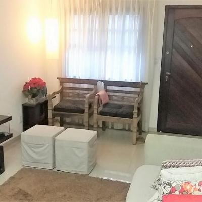 Casa em condomínio Sapê 2 qts