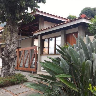 Linda casa em condomínio da Região Oceânica