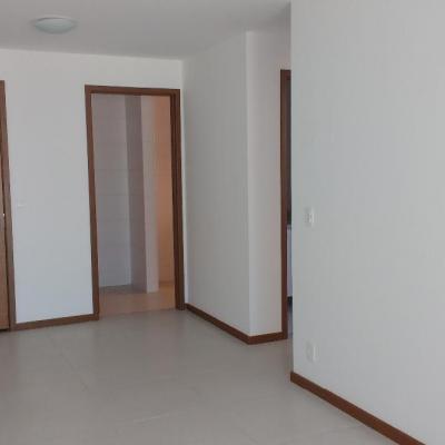 Apt Centro 1ª locação 2 qts suite vaga armários lazer